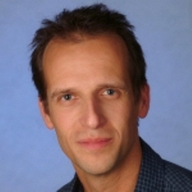 Herr Dipl.-Sprechwissenschaftler Bernd Christmann